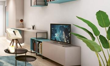 innenausstattung mit fernseher, beistelltisch, sideboard, tisch und stuhl in einer studiomuc mietwohnung